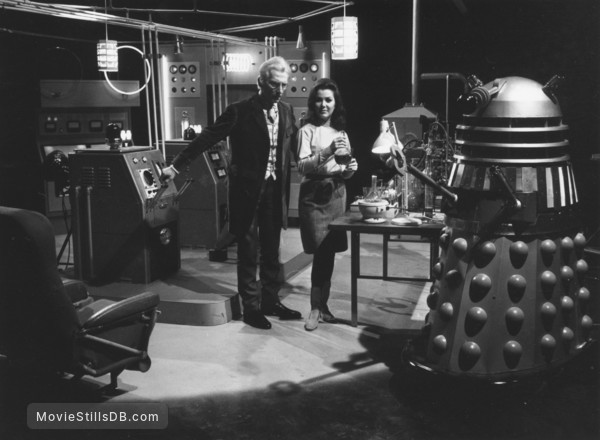 dr-who-and-the-daleks-lg.jpg