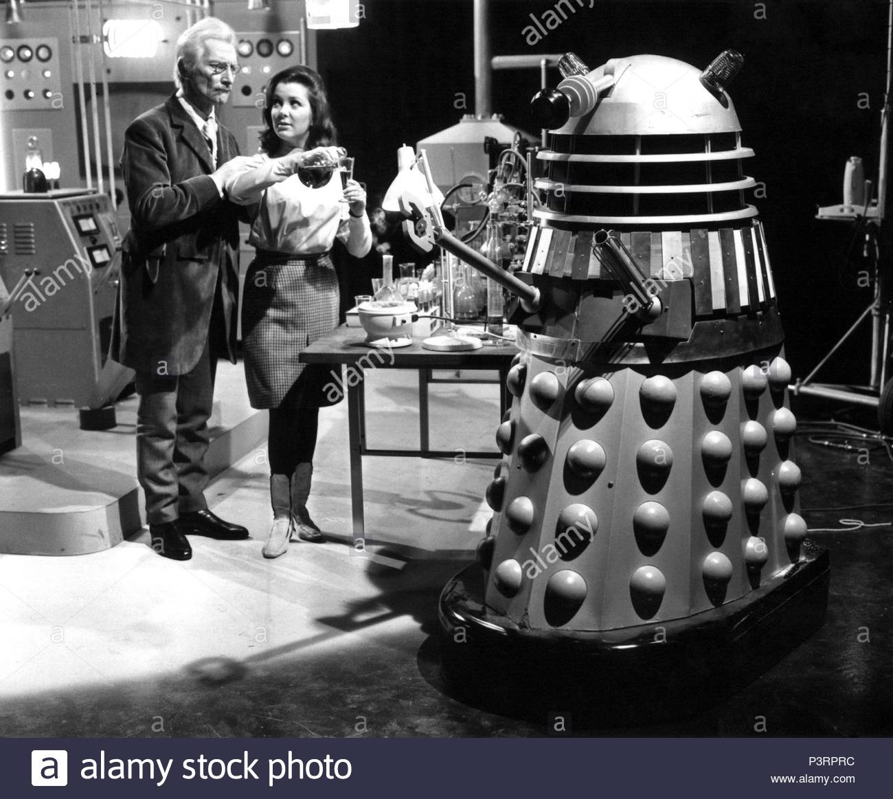 original-film-title-daleks-invasion-earth-2150-a-d-english-title-daleks-invade-earth-2150-a-d-film-director-gordon-flemyng-year-1966-stars-peter-cushing-credit-british-lion-album-P3RPRC.jpg
