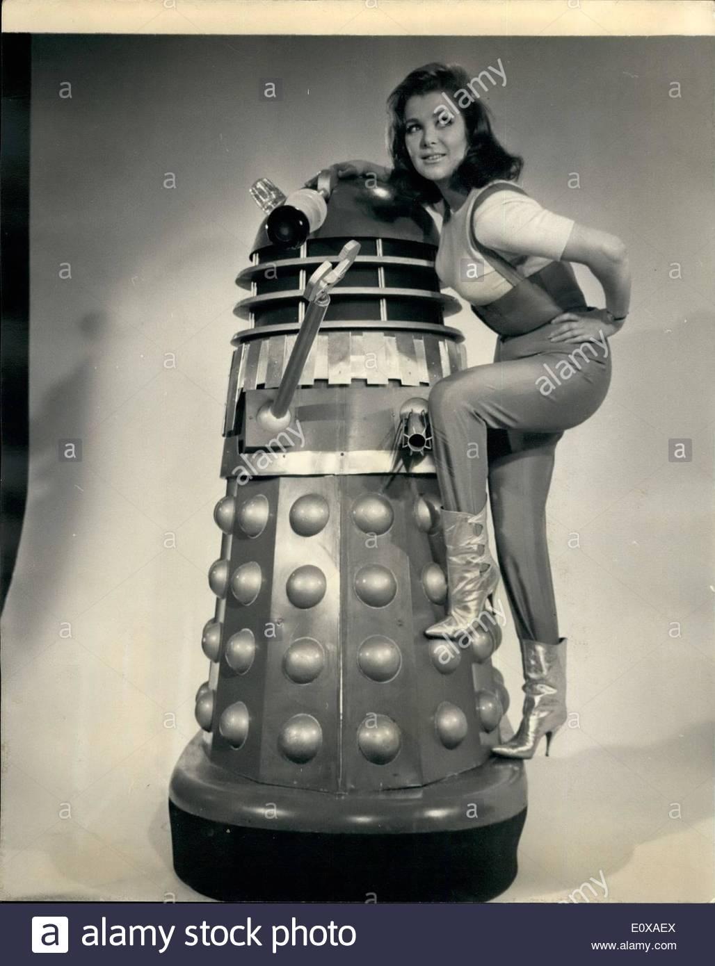 jan-01-1966-jills-a-girl-with-a-future-24-year-old-jill-curzon-has-E0XAEX.jpg