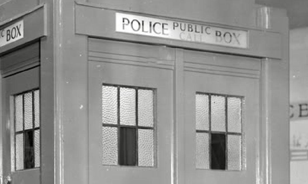 Olympia-1936-WindowsCloseup.JPG