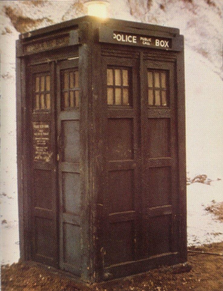 TARDIS(Doc2-3-4)01medium.jpg