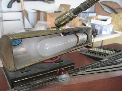 213-LampLightReinforced01.jpg