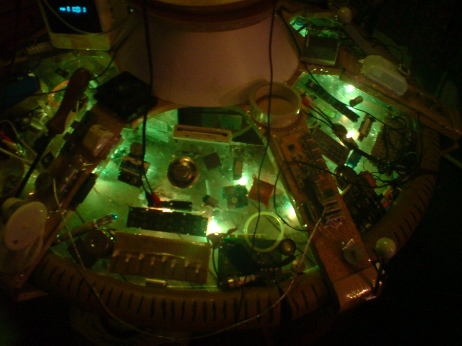 TARDIS_Console_2_by_Biodoctor900.jpg