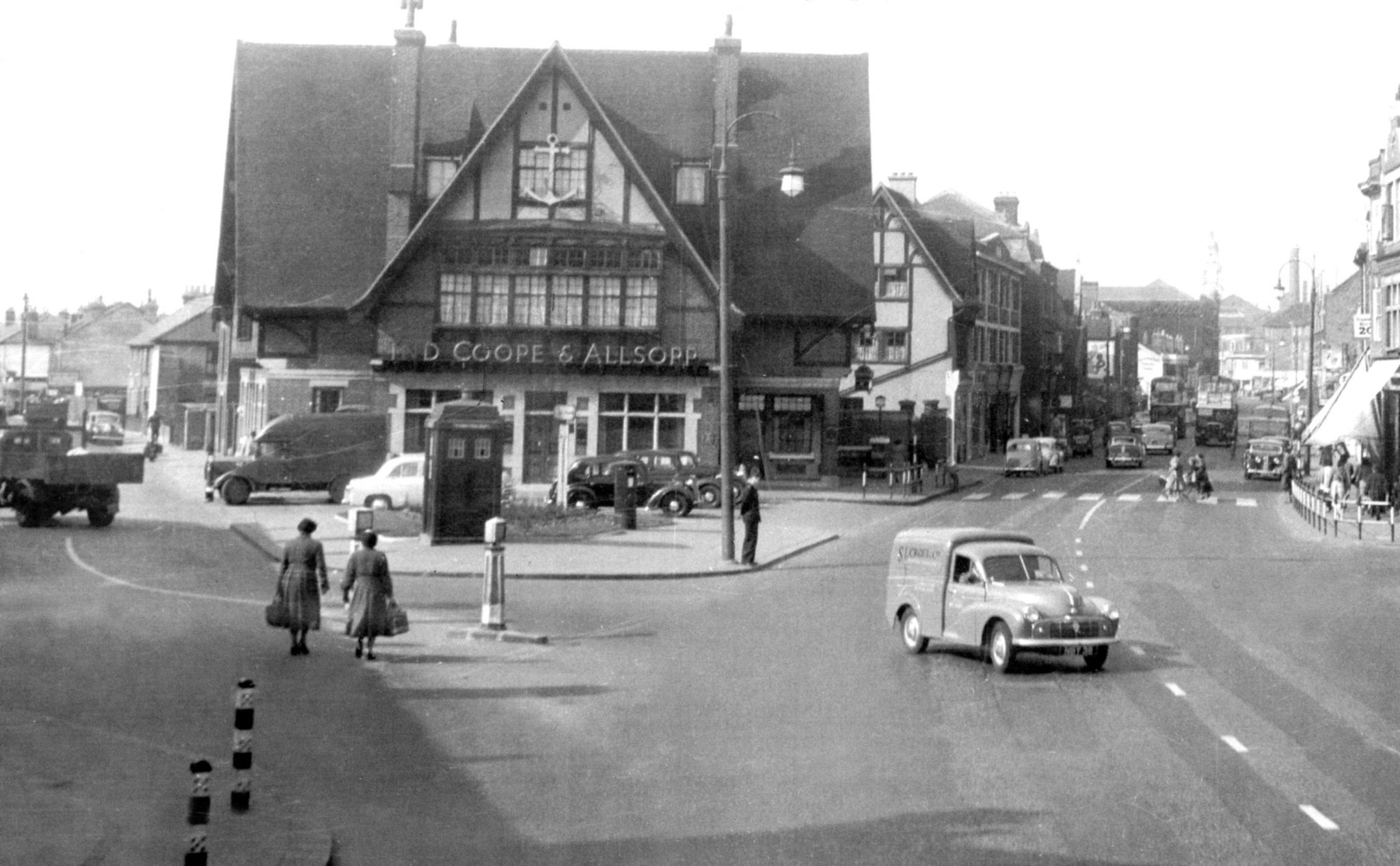 Z21 Southbridge Road Croydon (Hi-Res)(1955).jpg