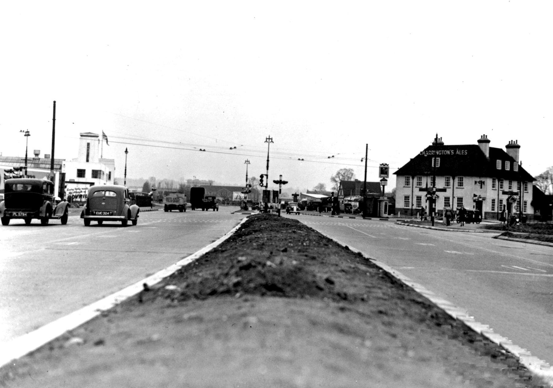 V32 Shannon Corner, New Malden.jpg