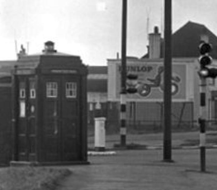 V32 Shannon Corner, New Malden (Feb1957)--Blowup.JPG