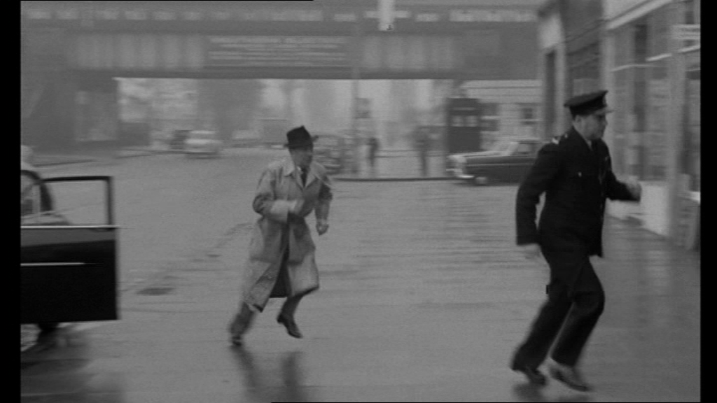 Wimbledon_Chase_Station_Box-V28-(Scotland_Yard-The_Square_Mile_Murder(1961)).png
