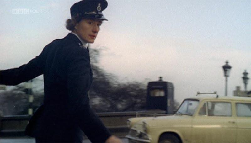 Putney_Bridge_Box-V53-(Britain_on_Film-BBC4_9Nov12)-Pic1.jpg
