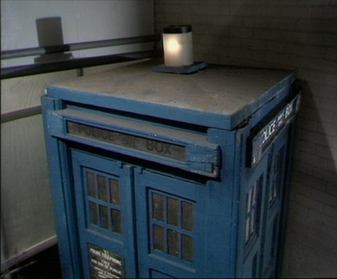 tardis_roof_early70s.jpg