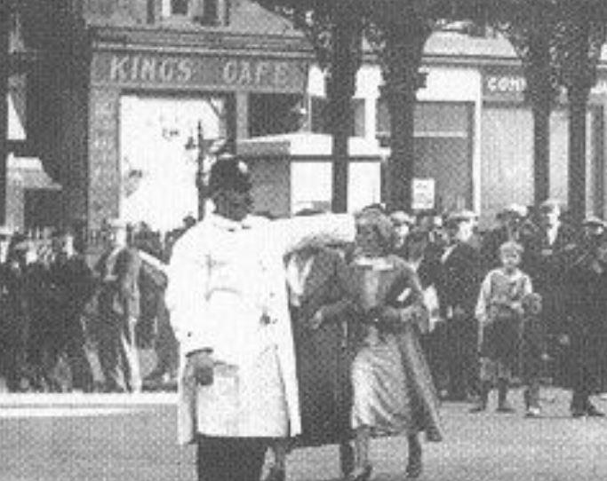bridgeton Cross (C4) - early Box again (probably circa late 1930s)-Blowup.JPG