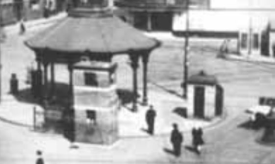 Bridgeton_Cross-C4-EarlierBox-c1940s-Blowup.JPG