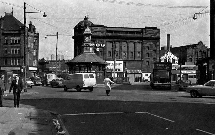 Bridgeton Cross (C4) - early 1970s.jpg