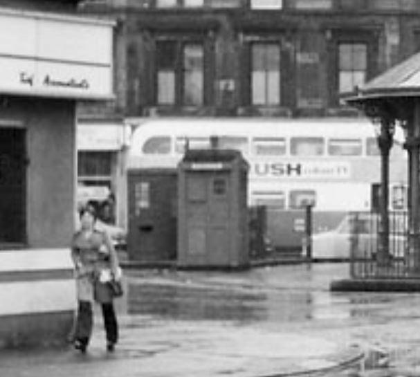 Bridgeton_Cross-(C4)-at_London_Road_and_Dalmarnock_Road--25 September 1974-Blowup.JPG