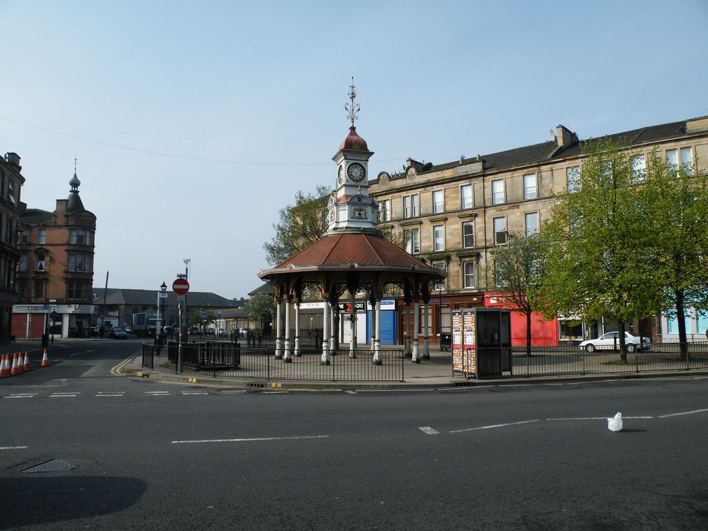 Bridgeton Cross 2009.jpg
