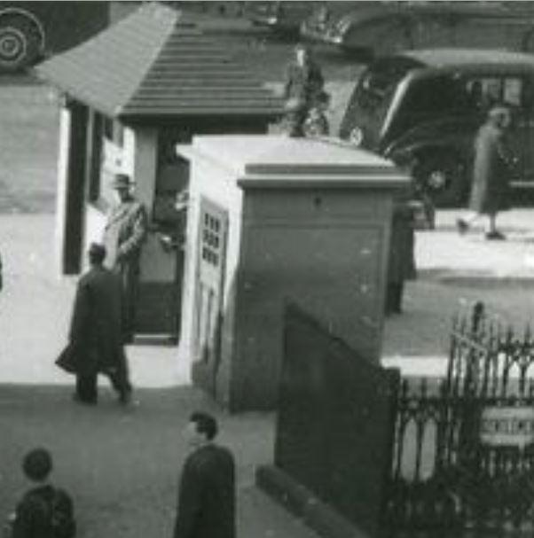 St_Enoch_Square_Box-A22-( c1952-1955)-Blowup.JPG