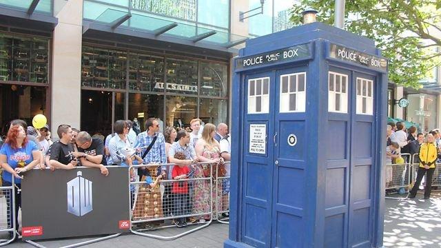 TARDISCrowd.jpg
