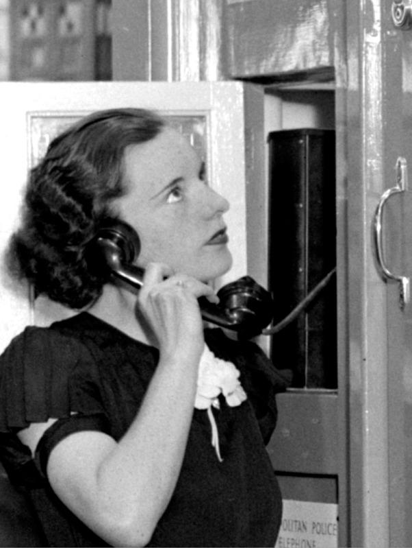 RadiolympiaBoxTelephone-1936.jpg