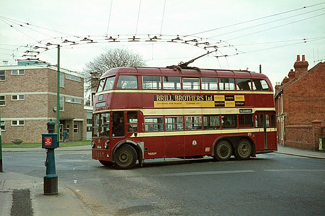 Reading_Trolleybus_at_Three_Tuns.jpg