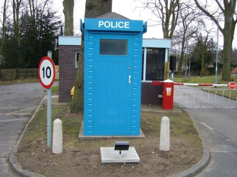 Nottingham-MarketSquare(Yates)Box-Restored-2.jpg