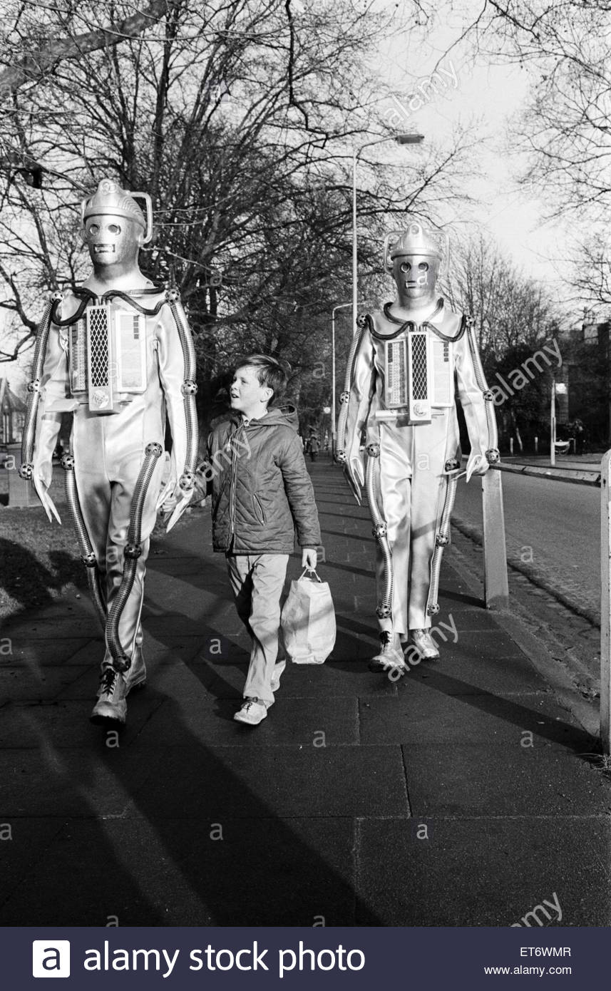 doctor-who-1967-bbc-tv-programme-the-story-features-the-return-of-ET6WMR.jpg