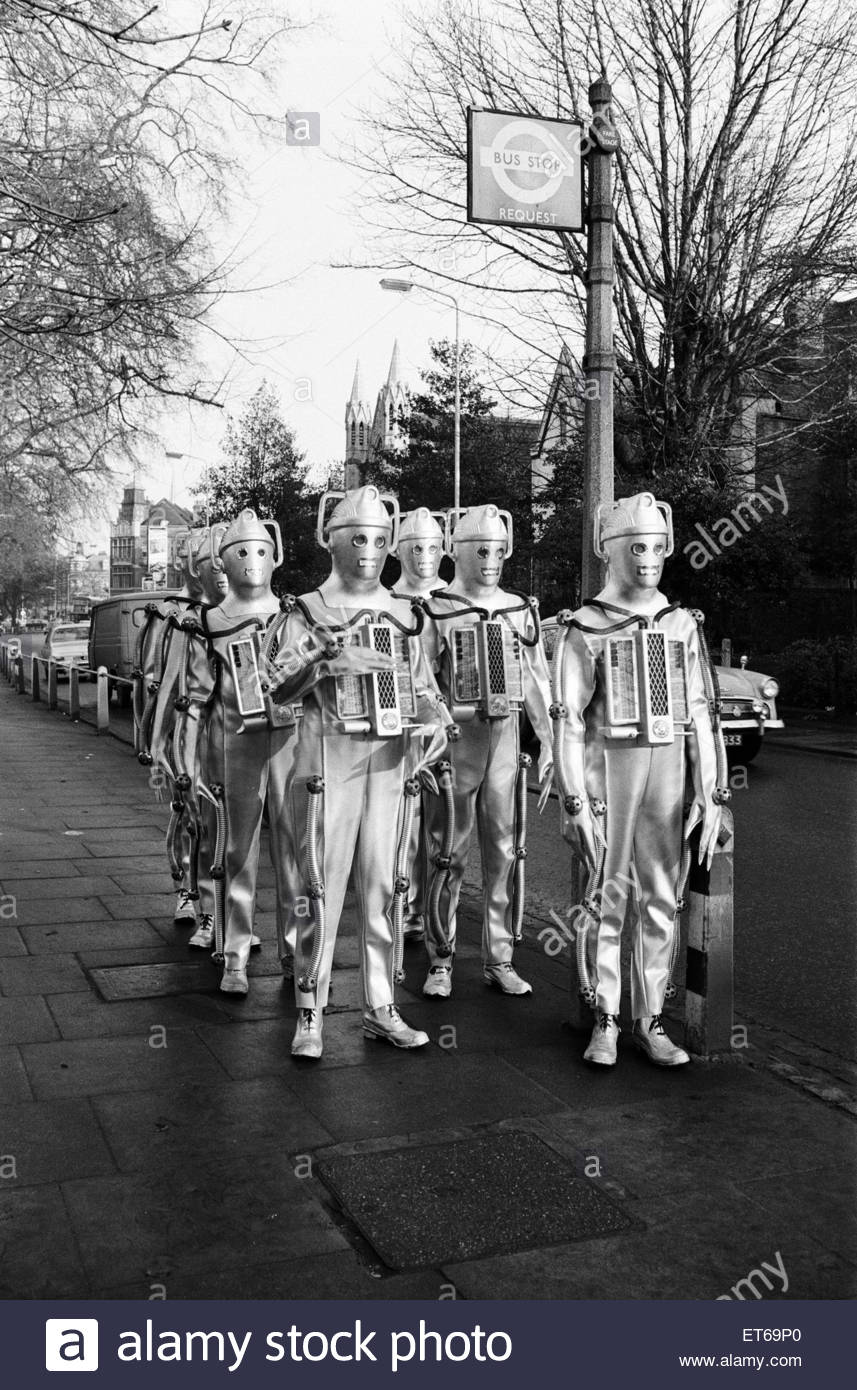 doctor-who-1967-bbc-tv-programme-the-story-features-the-return-of-ET69P0.jpg