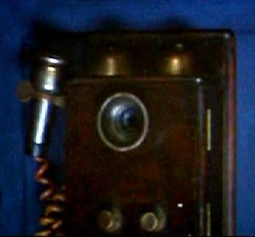 tardis2005-phone.jpg