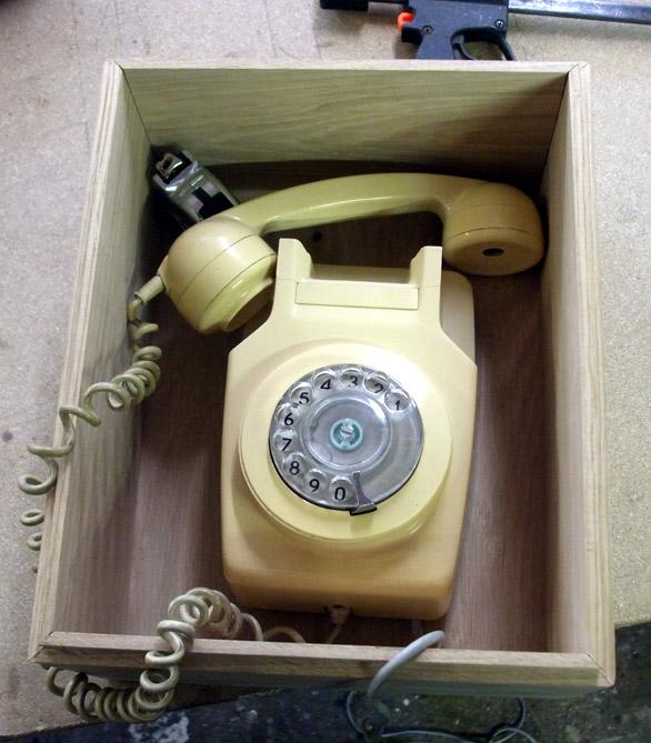 60-PhoneInBox.jpg