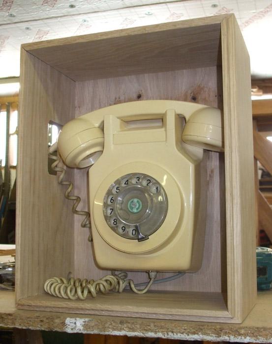 61-PhoneFittedInBox.jpg