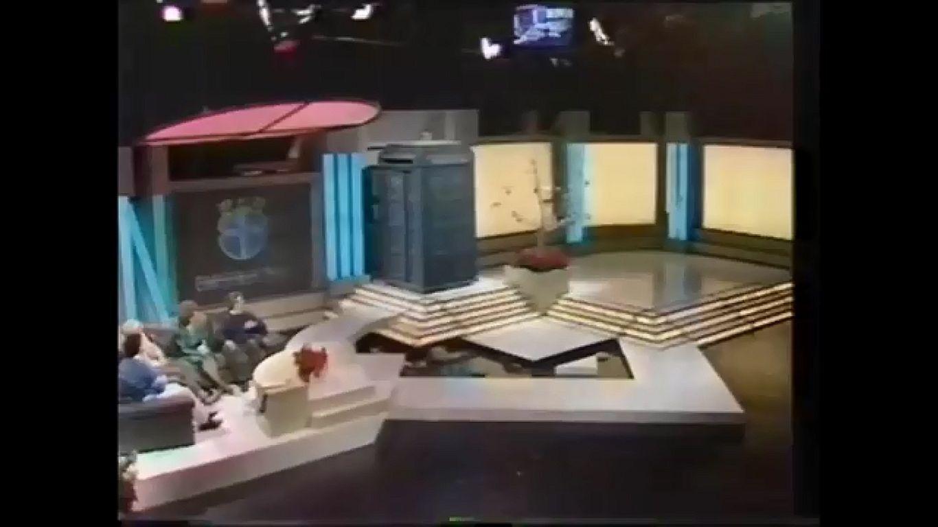 Tomorrows World Christmas quiz 1988.jpg